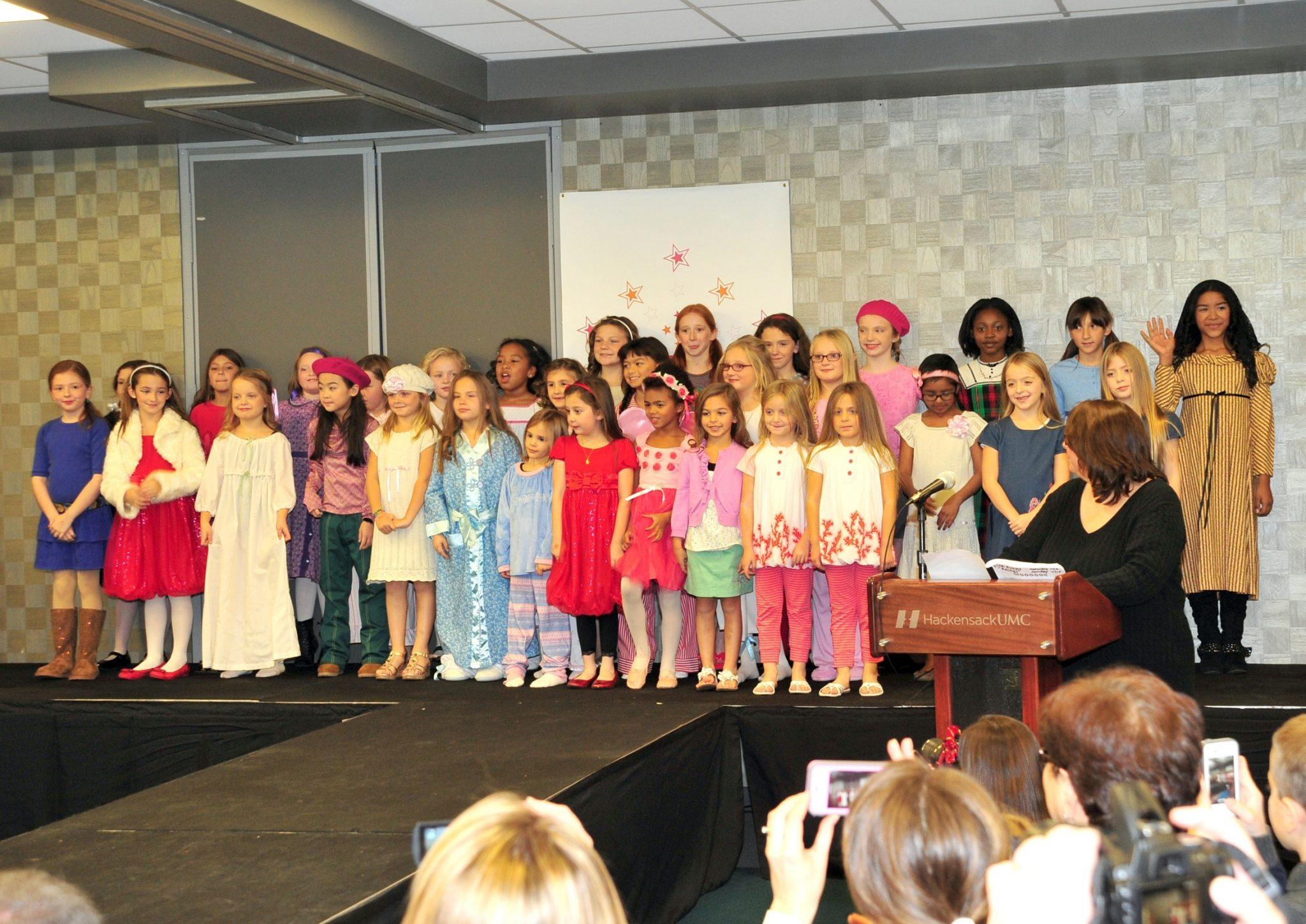 Felicity: An American Girl (American Girls Collection) American girl fashion show williamsburg